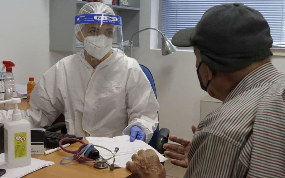 Primjeri: Dr Maja Karadžić je na prvoj liniji odbrane od kovida od početka infekcije Svaki izliječeni pacijent razlog za novi osmijeh